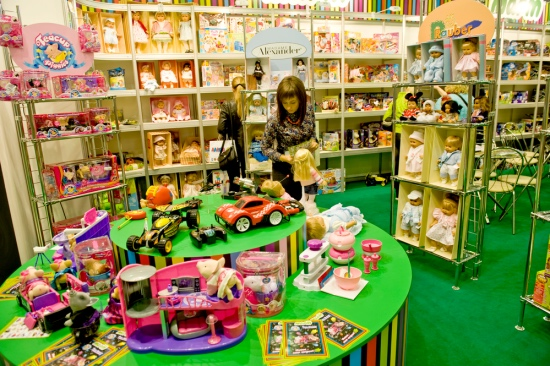 How to Start Selling Wholesale Toys Today